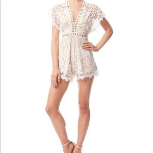 L'ATISTE BY AMY IVORY & NUDE LACE ROMPER 